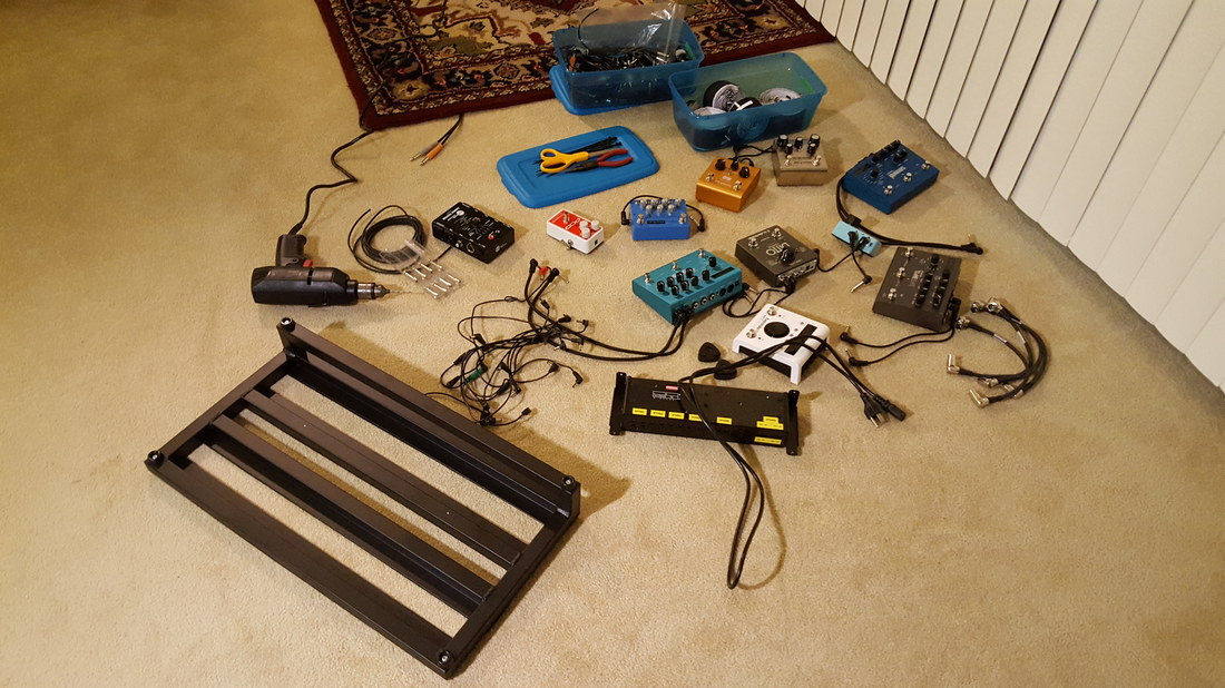 Picture of Drew Breder Pedal Board Before